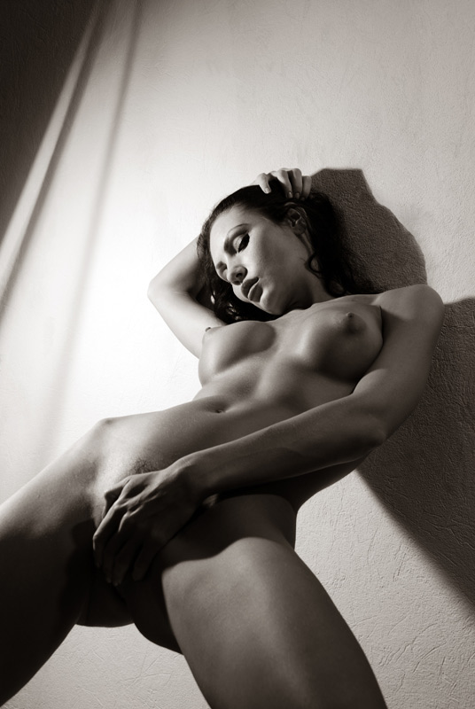 Фото голые девушки черно белые
